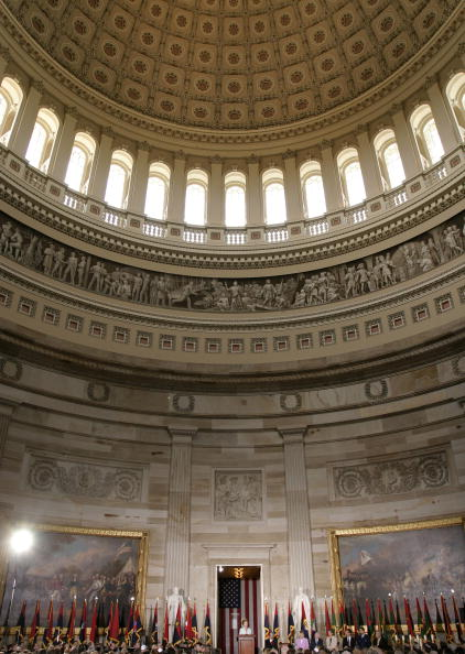 Capitol Hill「Laura Bush Participates In Holocaust Remembrance Observance」:写真・画像(7)[壁紙.com]
