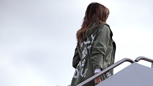 Jacket「First Lady Melania Trump Visits Immigrant Detention Center On U.S. Border」:写真・画像(2)[壁紙.com]