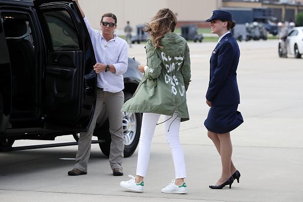 Jacket「First Lady Melania Trump Visits Immigrant Detention Center On U.S. Border」:写真・画像(1)[壁紙.com]