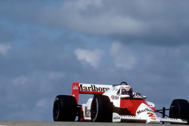 Motor Racing Track「Alain Prost At Grand Prix Of The Netherlands」:写真・画像(12)[壁紙.com]