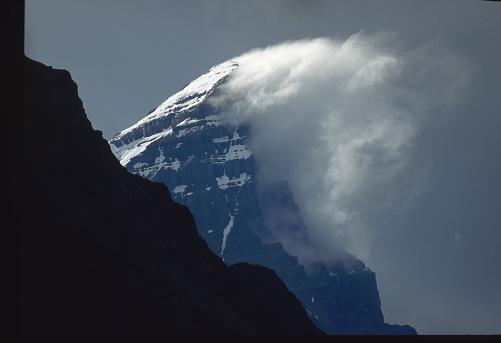 ケフレン山「Storm Cloud on Mount Chephren」:スマホ壁紙(1)