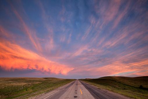 Saskatchewan「Storm Clouds Over The Prairies Saskatchewan」:スマホ壁紙(11)