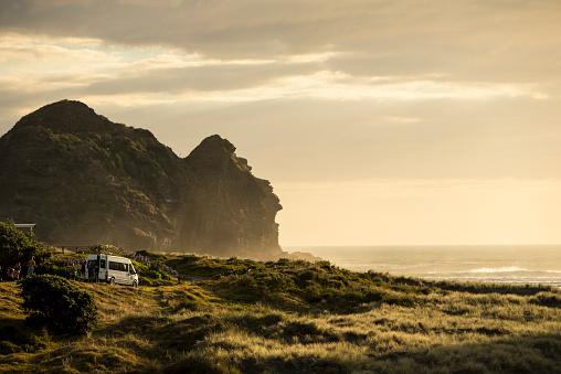 Van - Vehicle「Camping Piha Beach」:スマホ壁紙(7)