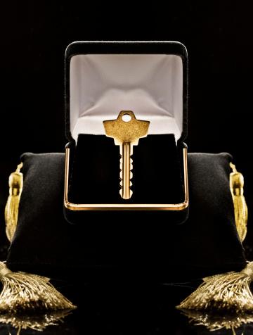 Velvet「Gold key in black velvet jewel box」:スマホ壁紙(14)