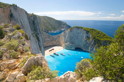 Greek Islands「View from clifftop, Navagio Bay, Zakynthos, Greece」:スマホ壁紙(19)