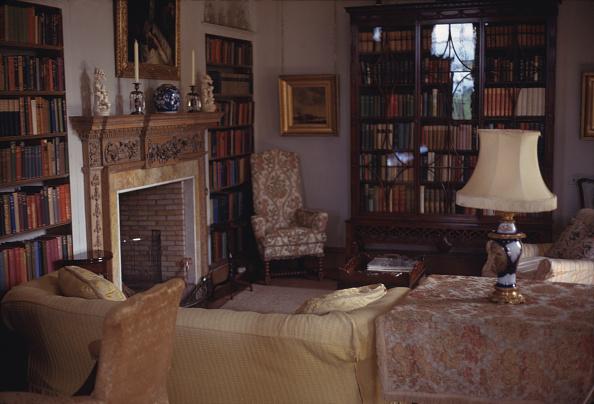 Living Room「Small Library」:写真・画像(11)[壁紙.com]