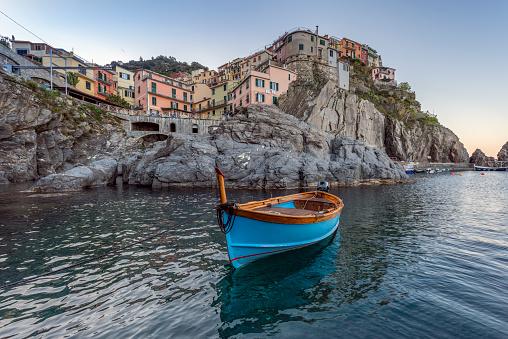 Nature Reserve「Italy, Liguria, La Spezia, Cinque Terre National Park, Manarola, empty blue fishing boat」:スマホ壁紙(16)