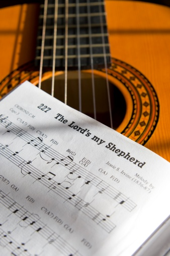 Singer「Guitar and book of music」:スマホ壁紙(8)