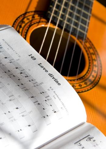Singer「Guitar and book of music」:スマホ壁紙(6)