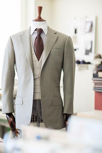 Designer Clothing「Mannequin in atelier studio」:スマホ壁紙(5)