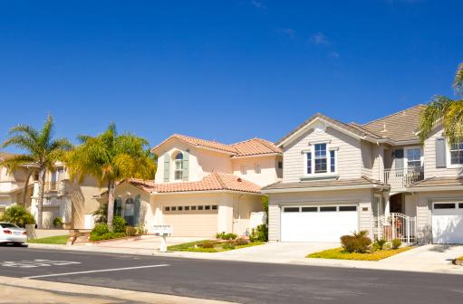 Garage「Row of real estate property houses in California」:スマホ壁紙(11)
