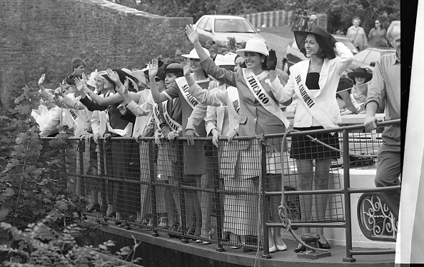 Participant「Rose of Tralee Contestants at Robertstown 1997」:写真・画像(15)[壁紙.com]