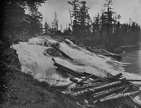 Log「Big Falls」:写真・画像(17)[壁紙.com]