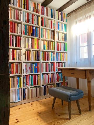 Arrangement「Library and desk of an author」:スマホ壁紙(16)