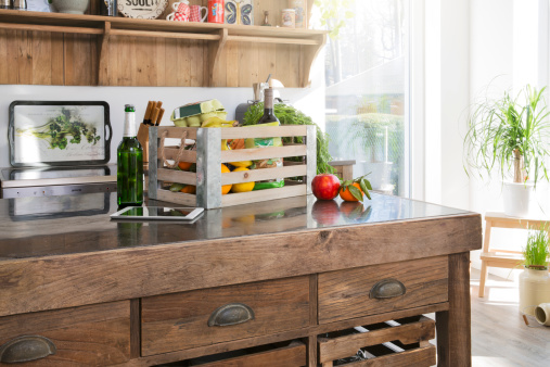 For Sale「Crate of groceries in country style kitchen」:スマホ壁紙(9)
