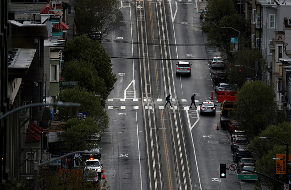 San Francisco - California「Coronavirus Pandemic Causes Climate Of Anxiety And Changing Routines In America」:写真・画像(8)[壁紙.com]