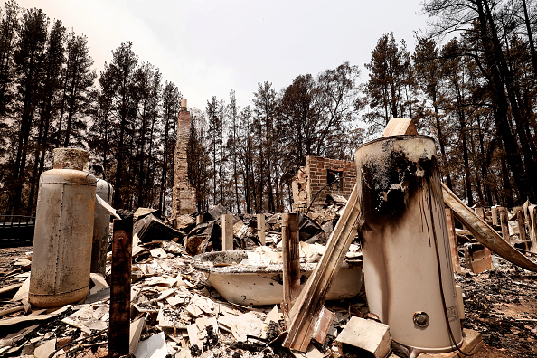 Burnt「Evacuations Continue Across East Gippsland As State Of Disaster Is Declared」:写真・画像(9)[壁紙.com]