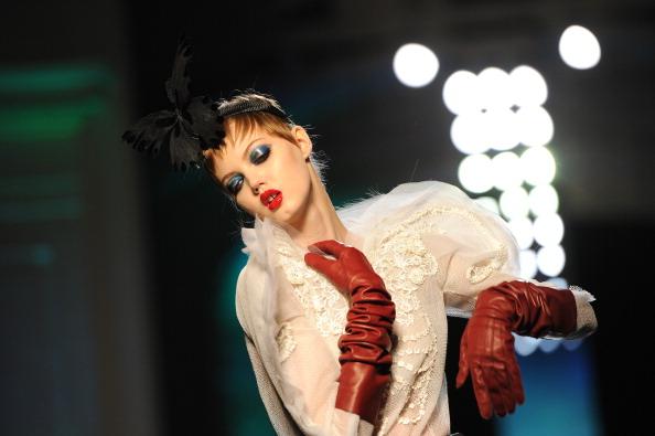 Red Lipstick「Jean Paul Gaultier : Runway - Paris Fashion Week - Haute Couture S/S 2014」:写真・画像(12)[壁紙.com]
