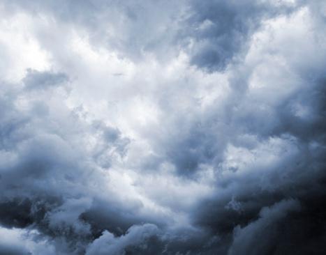 God「Dark and Dramatic Storm Clouds」:スマホ壁紙(11)
