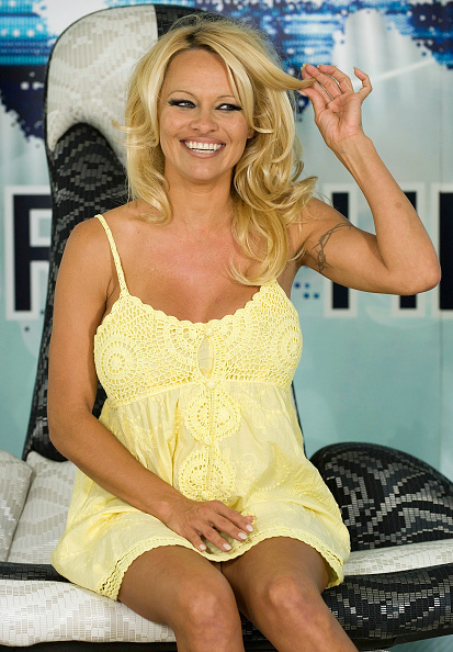 Baby Doll Dress「Pamela Anderson Press Conference Ahead Of Big Brother Appearance」:写真・画像(6)[壁紙.com]