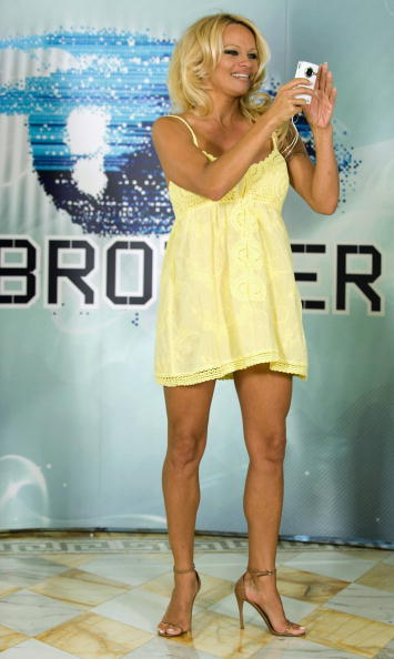 Baby Doll Dress「Pamela Anderson Press Conference Ahead Of Big Brother Appearance」:写真・画像(4)[壁紙.com]