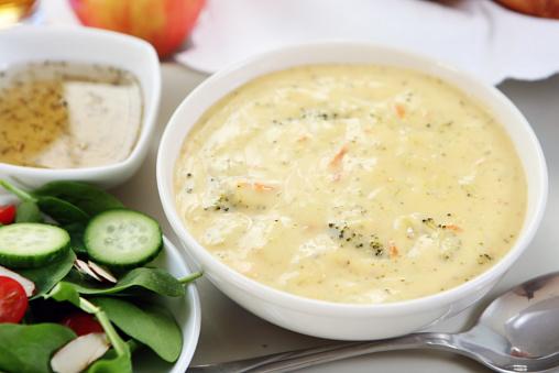 Cream Soup「lunch - broccoli cheddar soup, bread,salad」:スマホ壁紙(18)