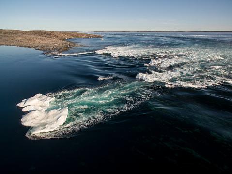 Pack Ice「Melting Sea Ice in Hudson Bay, Ukkusiksalik National Park, Nunavut, Canada」:スマホ壁紙(6)