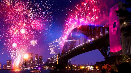 花火「2020年の大晦日花火歓迎ショーでシドニーのハーバーブリッジ」:スマホ壁紙(15)