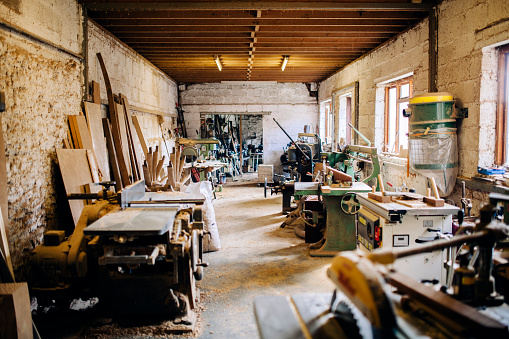 Carpentry「Wheelwright's workshop, carpentry tools and machinery」:スマホ壁紙(8)