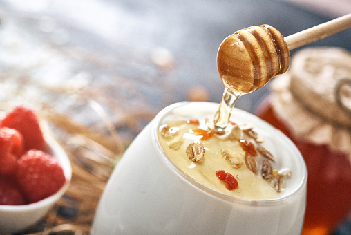 Granola「Greek yogurt with honey and granola」:スマホ壁紙(2)