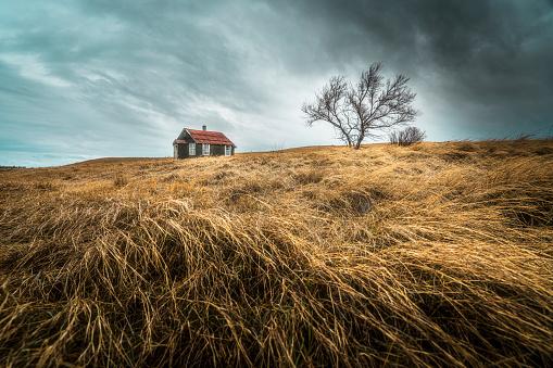 Saskatchewan「An old abandoned house」:スマホ壁紙(10)