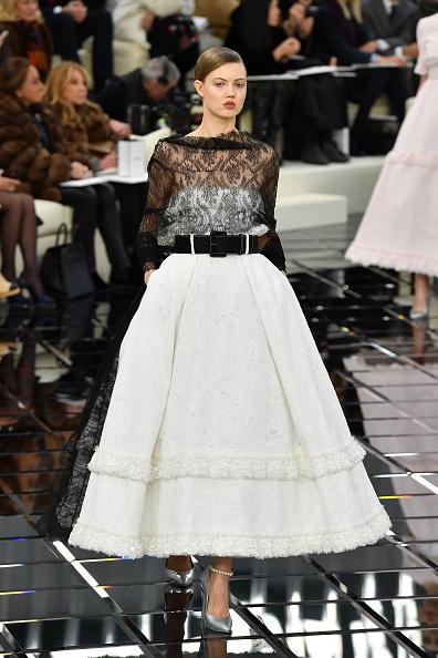 A-Line「Chanel  : Runway - Paris Fashion Week - Haute Couture Spring Summer 2017」:写真・画像(19)[壁紙.com]
