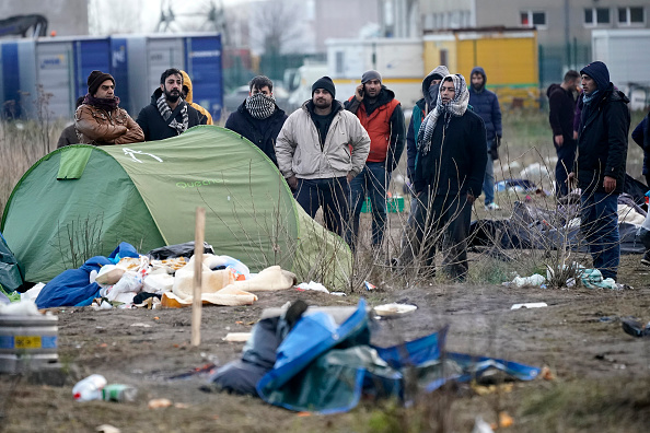 Calais「Migrants Gather Along The Northern French Coast」:写真・画像(1)[壁紙.com]