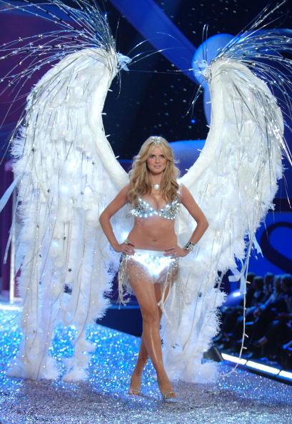 Victoria's Secret「The Victoria's Secret Fashion Show - Runway」:写真・画像(11)[壁紙.com]