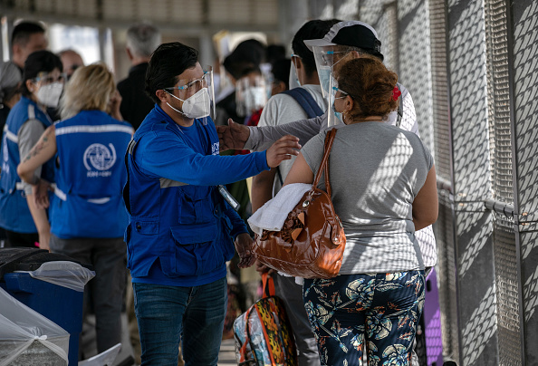"""Mexico「Asylum Seekers Cross Into U.S. In Reversal Of Trump's """"Remain In Mexico"""" Policy」:写真・画像(3)[壁紙.com]"""
