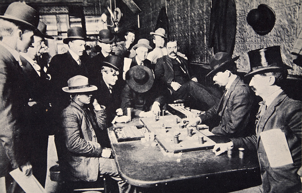 East Asia「Playing Faro In The Orient Saloon Bisbee Arizona USA 1903」:写真・画像(3)[壁紙.com]