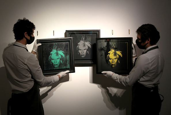 Setting「Preparations Take Place At Christie's Ahead Of Livestreamed Art Sales」:写真・画像(13)[壁紙.com]