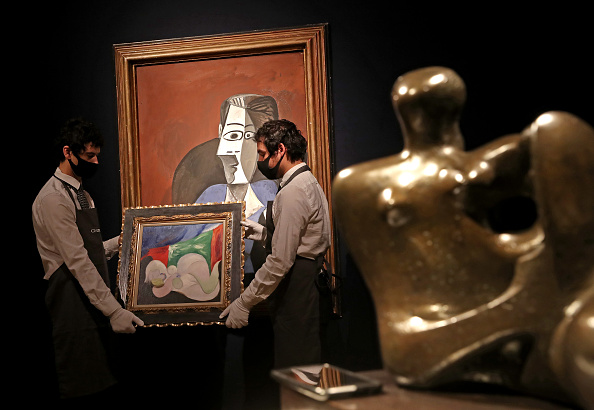 Setting「Preparations Take Place At Christie's Ahead Of Livestreamed Art Sales」:写真・画像(12)[壁紙.com]
