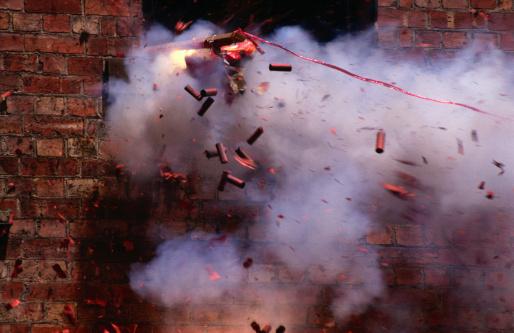 花火「Firecrackers explode during celebrations for Chinese New Year in Chinatown, Melbourne,Victoria,Australia,Australasia」:スマホ壁紙(9)