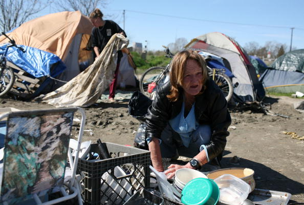 Homelessness「Sacramento Tent City Fills Up Jobless And Homeless」:写真・画像(15)[壁紙.com]