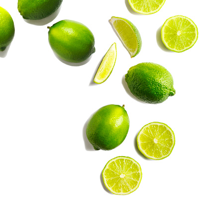 Lime「Fresh limes on a white background」:スマホ壁紙(5)