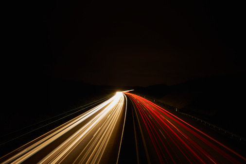 Traffic「Germany, red and white lighttrails on freeway by night, long exposure」:スマホ壁紙(18)