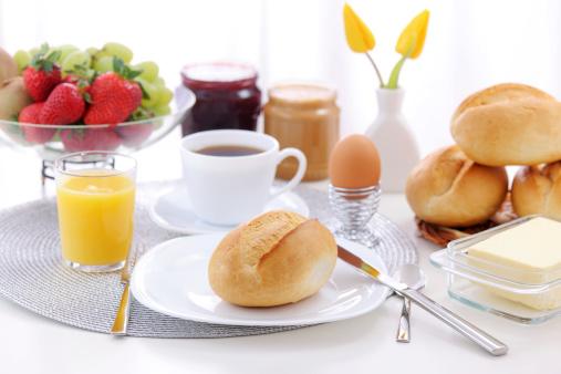 Bread「Breakfast table」:スマホ壁紙(1)