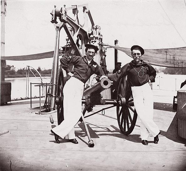 Passenger Craft「Officers Of USS Hunchback」:写真・画像(2)[壁紙.com]