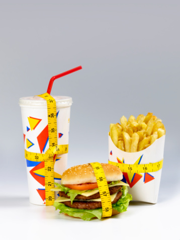 Cheeseburger「Fast food meal with tape measure 」:スマホ壁紙(0)