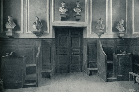 Wood Paneling「'The Door from Upper School to Chapel Stairs', 1926」:写真・画像(18)[壁紙.com]