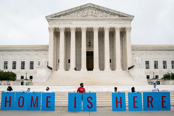 US Supreme Court Building「Supreme Court Rules President Trump Can Not End The Deferred Action For Childhood Arrivals (DACA) Program」:写真・画像(19)[壁紙.com]