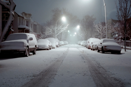 Traffic「Snow-Covered Cars Lit by Street Lights - Blizzard of 2006」:スマホ壁紙(17)