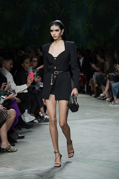 Belt「Versace - Runway - Milan Fashion Week Spring/Summer 2020」:写真・画像(17)[壁紙.com]