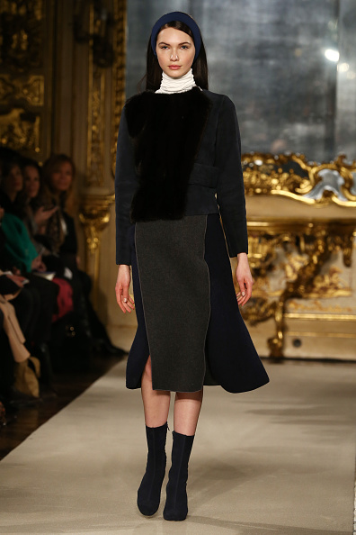 Gray Skirt「Chicca Lualdi - Runway & Close-ups - MFW FW2015」:写真・画像(5)[壁紙.com]